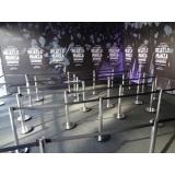 locação de organizador de filas com fita retrátil Chora Menino
