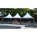 montagem de estrutura para show Parque São Jorge